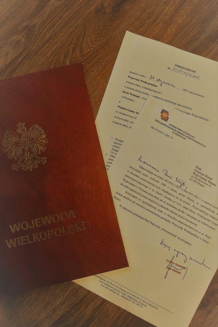 Zdjęicie zawartego porozumienia miedzy Wojewodą Wielkopolskim a Wójtem Gminy Słupca